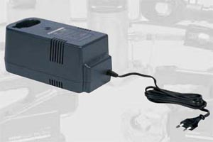 McWade-Product-IZ-Battery-Charger-ch-3fc2